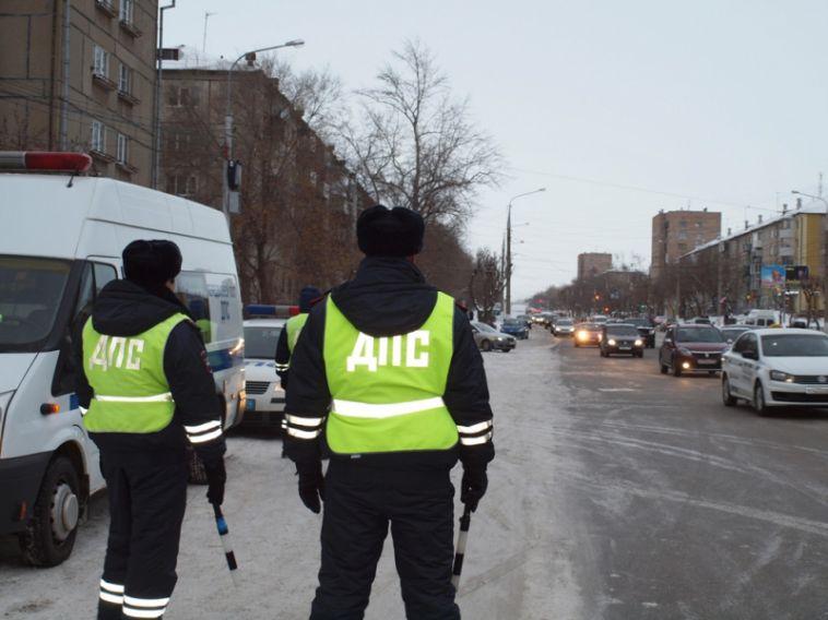 Сотрудники ДПС поймали водителя маршрутки без прав
