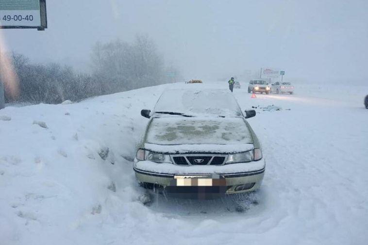 На трассе Магнитогорск-Аэропорт водитель переехал мужчину, который лежал на дороге