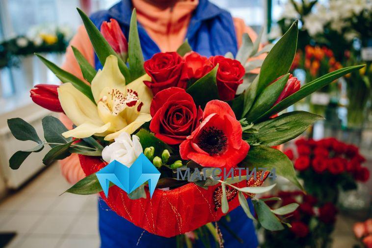 В канун 8 Марта в Челябинскую область привезли 320 тысяч цветов