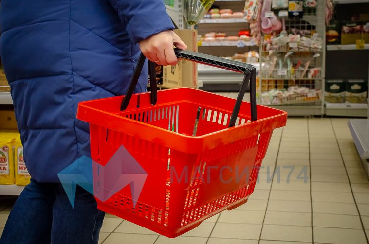 Владимир Путин призвал россиян не опустошать полки магазинов