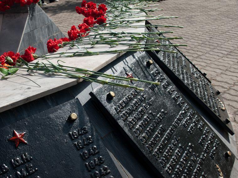 Заосквернение воинских захоронений ипамятников будут лишать свободы
