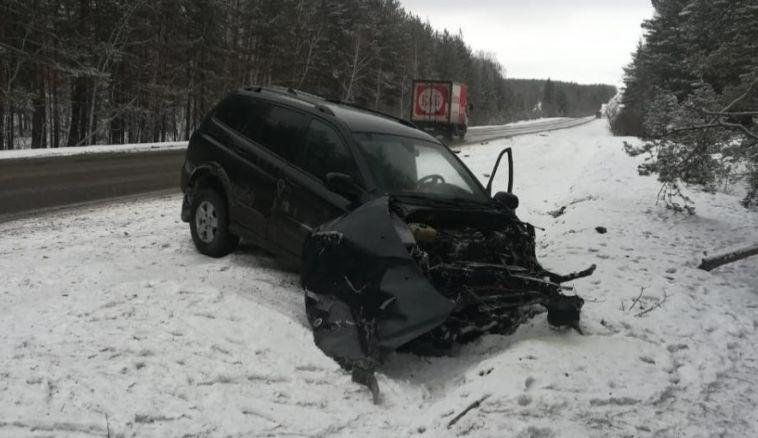 Натрассе Южноуральск-Магнитогорск легковушка столкнулась сгрузовиком