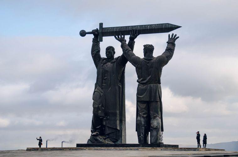 В честь 75-летия Победы «Тыл — Фронту» и площадь Народных гуляний приведут в порядок