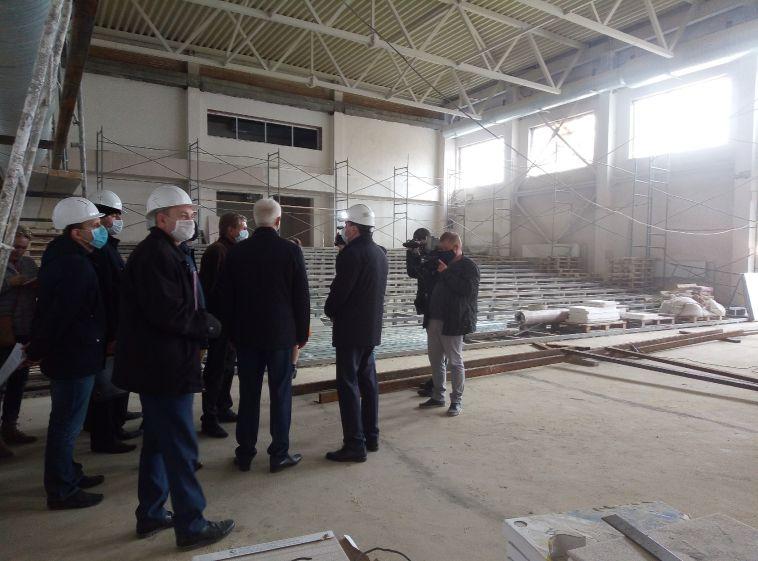 Самая большая! Глава города побывал на стройплощадке новой школы