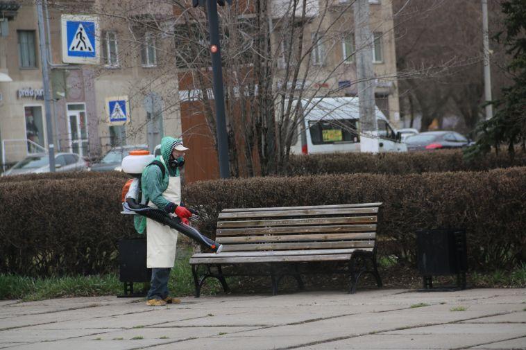 Сотрудники ДСУ получили новое оборудование для дезинфекции улиц