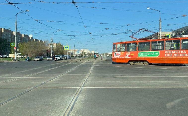 В Магнитогорске выровняли первый переезд на новой трамвайной ветке