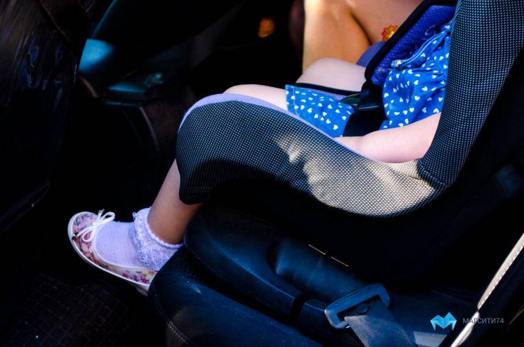 Какой штраф ждёт родителей за оставленного в машине ребёнка?