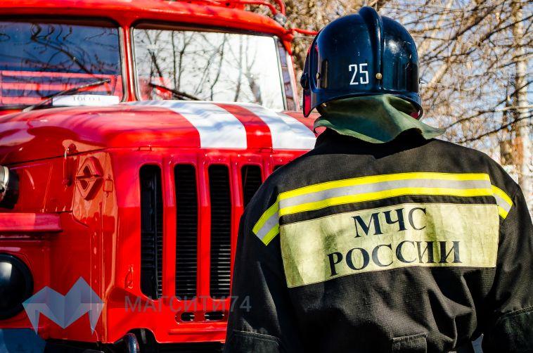 В Магнитогорске на левом берегу сгорел экскаватор