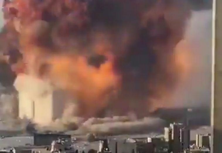 Мощный взрыв разрушил полгорода на Ближнем Востоке