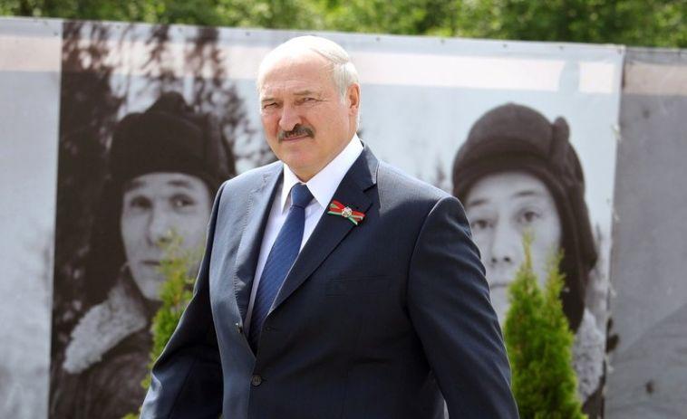 «Тот, кто не слепой, возьмите голову в руки»: Лукашенко выступил перед народом Белоруссии
