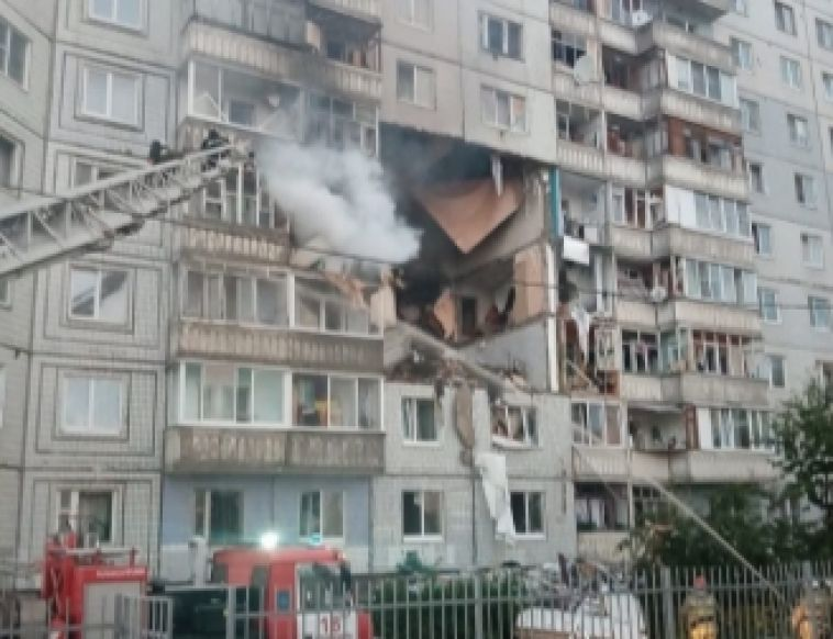 Есть погибшие и пострадавшие. В Ярославле обрушилась часть дома после взрыва газа