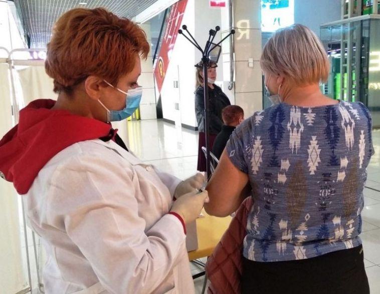 Магнитогорцев приглашают сделать бесплатную прививку от гриппа в ТЦ
