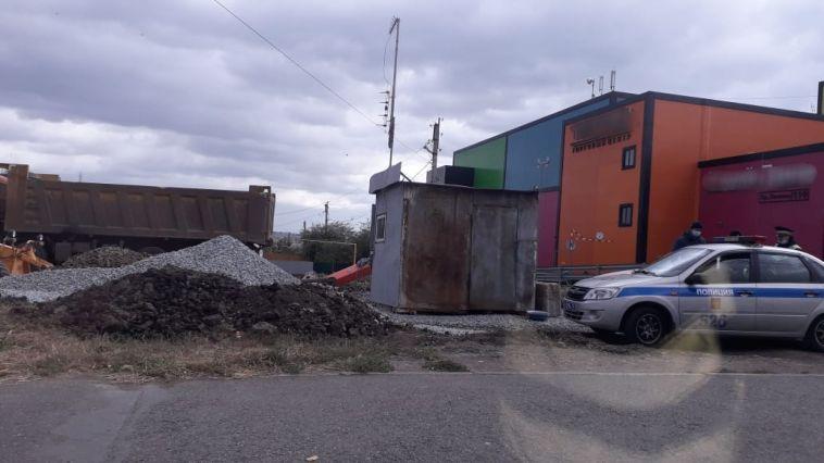 Камера сняла, как грузовик переехал пешехода в Магнитогорске