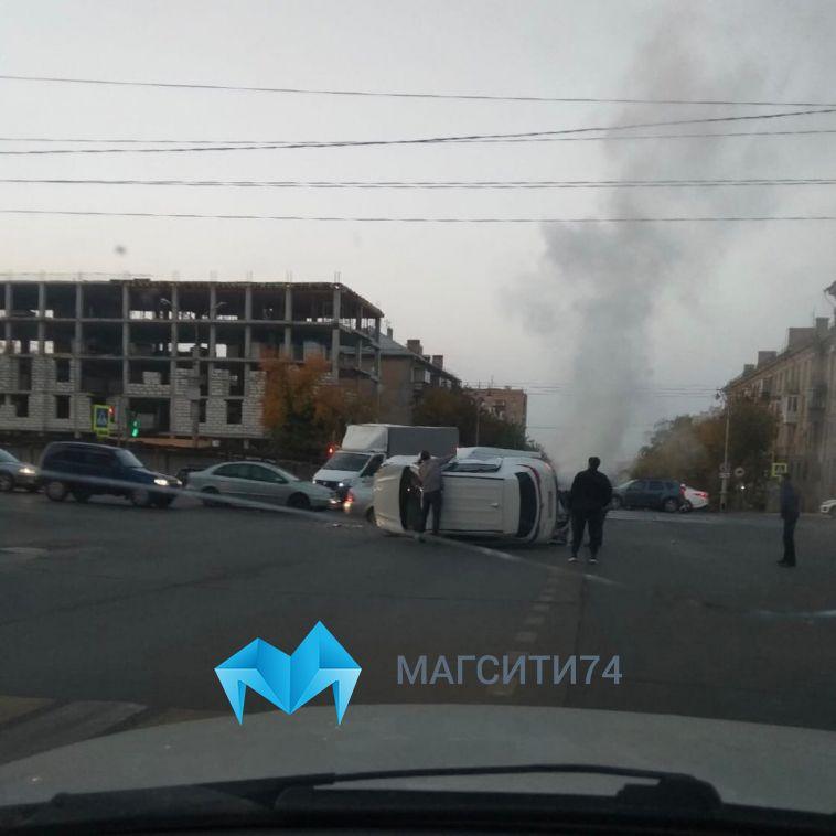 В Магнитке на пересечении улиц Московской и Ленина столкнулись два автомобиля