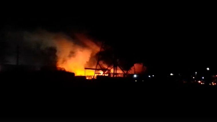 ВМагнитогорске сгорел производственный цех на 1,5 миллиона