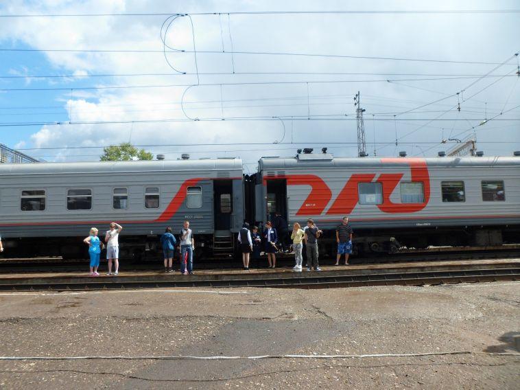На железной дороге в Челябинской области пострадало 19 человек