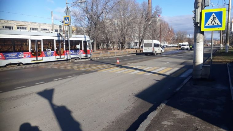 ВМагнитогорске 80-летняя пенсионерка попала под колеса «газели»