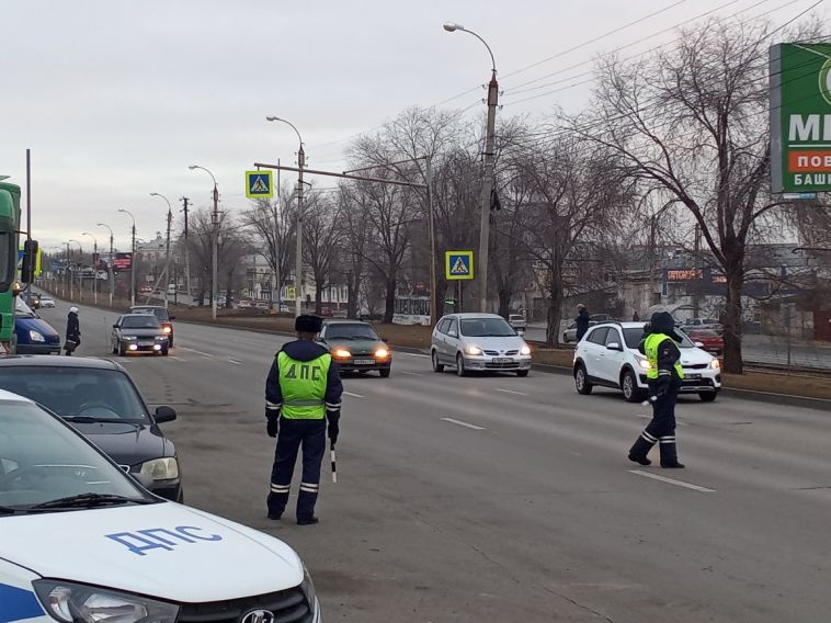«Внимание — пешеход!»: инспекторы выявили около 20 нарушений за один рейд