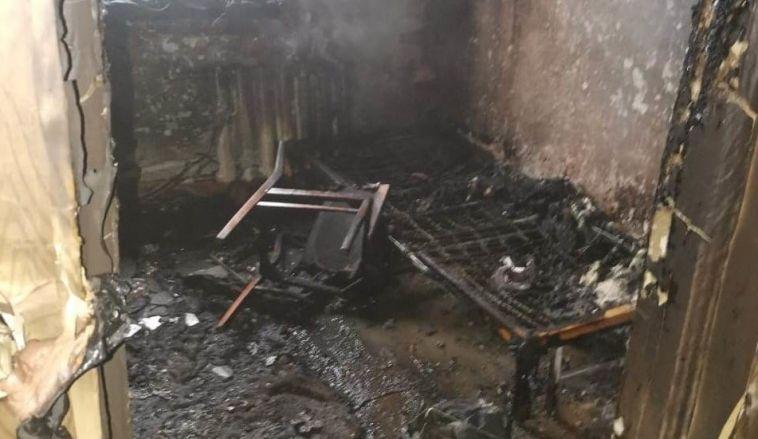 Под Магнитогорском изгорящего дома спасли двухлетнюю девочку