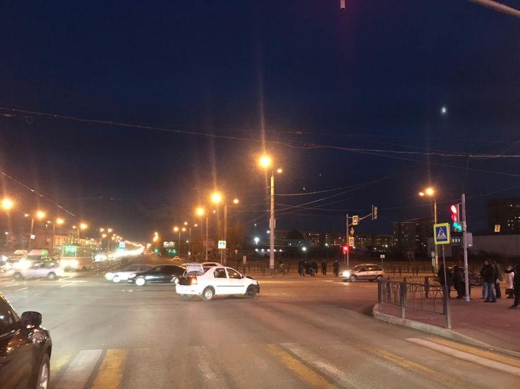 ВМагнитогорске водитель с трехмесячнымстажем устроила ДТП спострадавшим