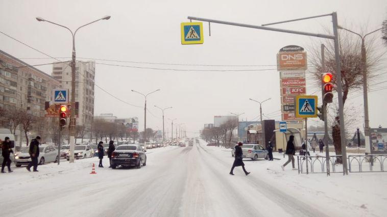В Магнитогорске автоледи сбила детей, которые переходили дорогу на зеленый свет