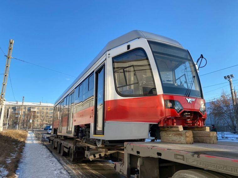 ВМагнитогорск прибыло шесть новых трамвайных вагонов