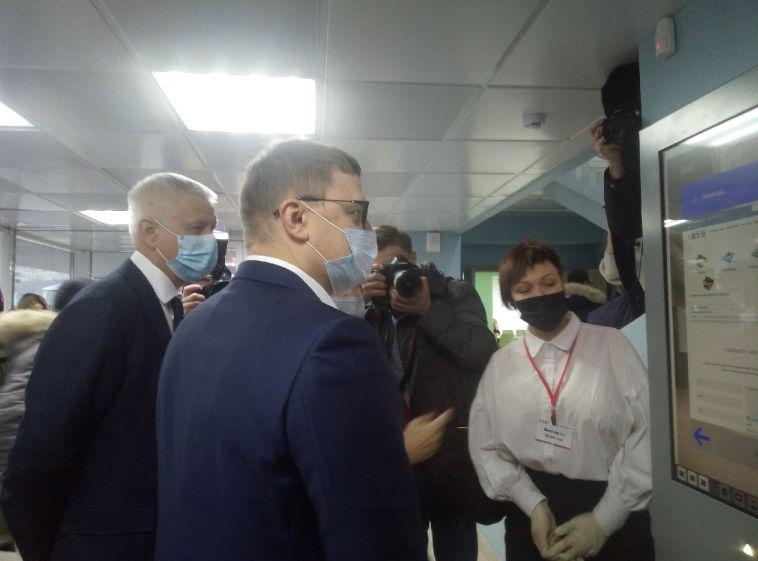 Сегодня губернатор Челябинской области работает в Магнитогорске