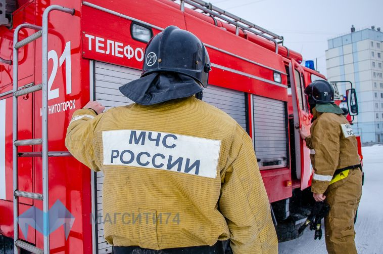 ВМагнитогорске сгорел дачный домик