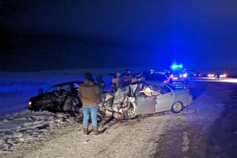 Под Магнитогорском ваварии погибли два человека