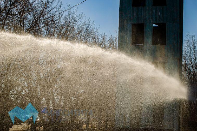 В Магнитогорске горело пустующее здание