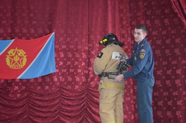 Школьникам рассказали правду оработе пожарного-спасателя