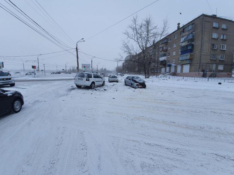 За сутки в Магнитогорске пострадал пешеход и пассажир авто