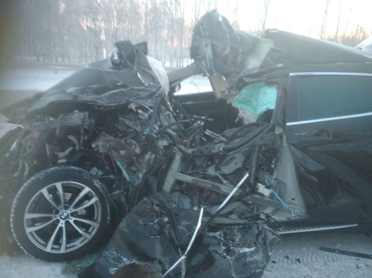 ВЧелябинской области на трассе иномарка врезалась вгрузовик