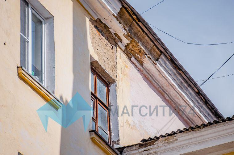В Магнитогорске вновь выбросили собаку из окна многоэтажки