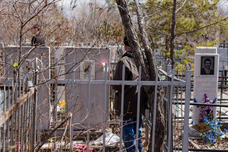 ВМагнитогорске обработают кладбища отклещей