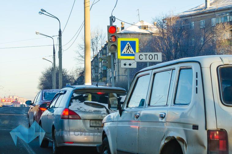 Боясь лишиться прав, автоледи изМагнитогорска оплатила 85 штрафов