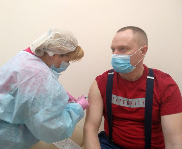 Вакцинацию от Covid-19 прошли почти три тысячи работников ММК