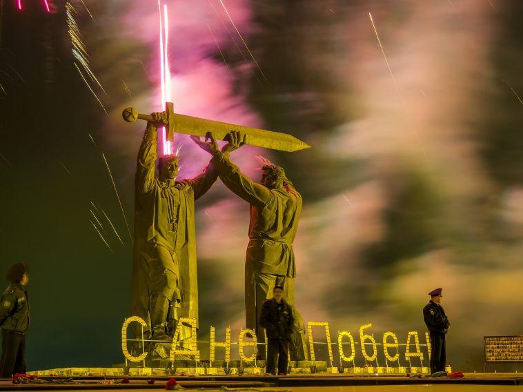 Путин официально подписал указ о продлении майских праздников