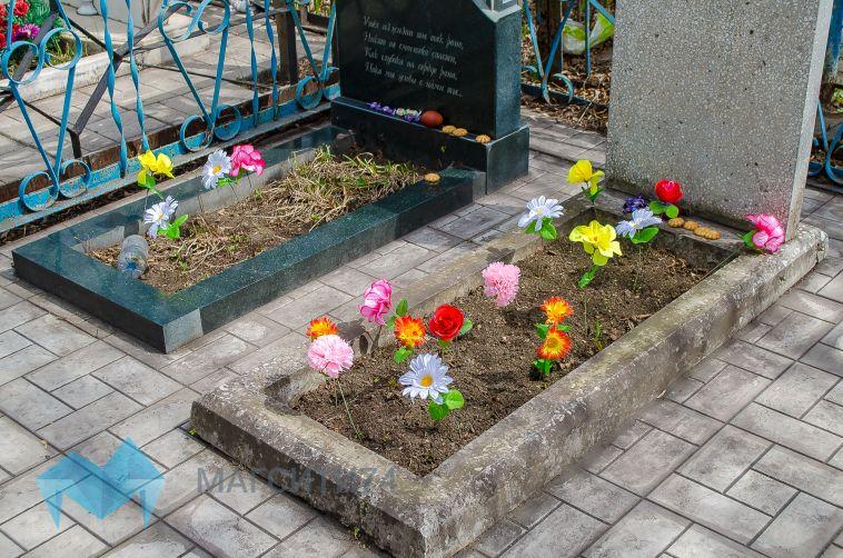 На кладбище в Челябинской области нашли тело младенца