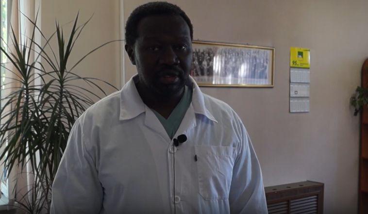 ВВерхнеуральской больнице появился новый хирург изАфрики