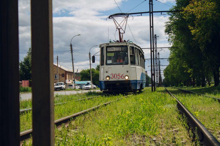 В Маггортрансе отреагировали наинцидент спенсионеркой, которую прижало дверьми трамвая