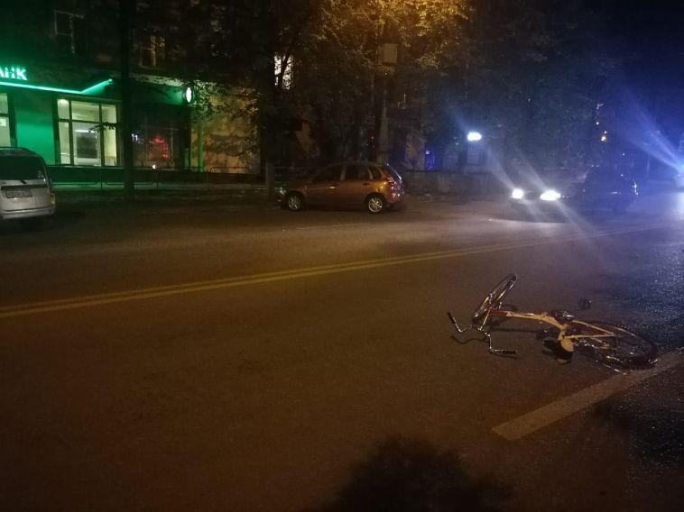 В Магнитогорске сбили велосипедистку, которая ехала без фонаря в темное время суток