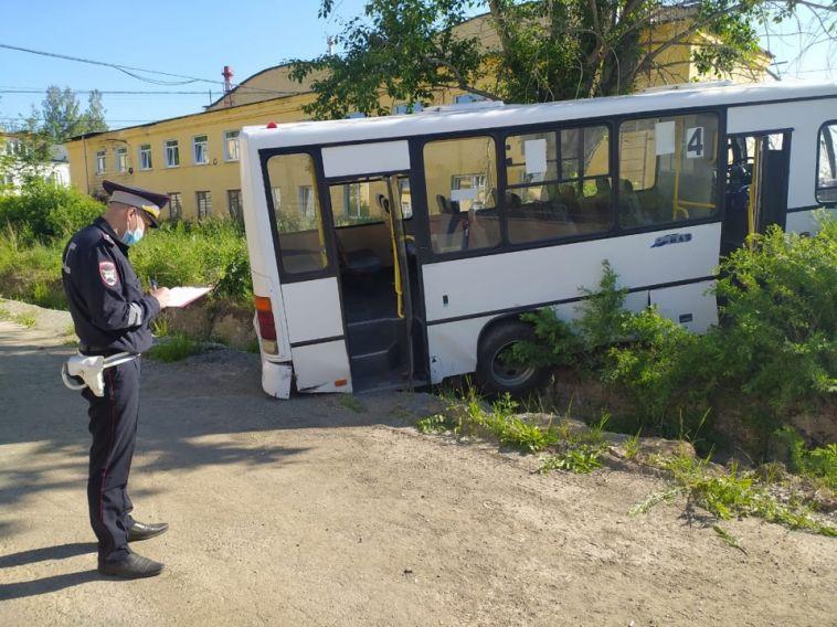 ВСвердловской области автобус без тормозов задавил насмерть 6 пешеходов