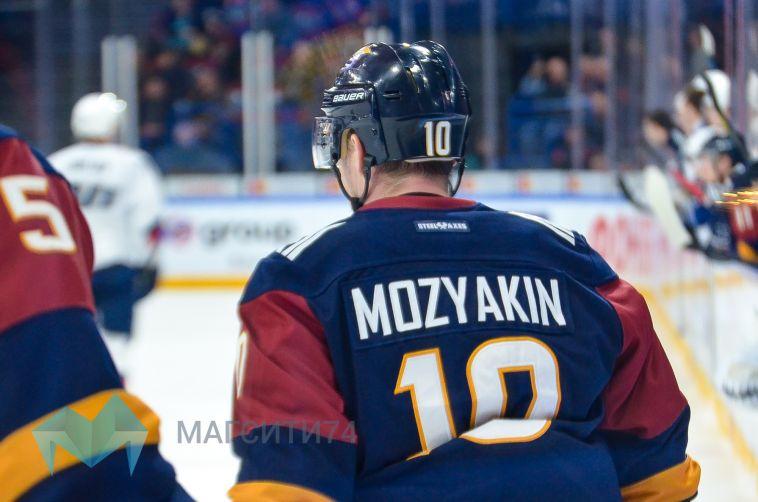 Хоккейный клуб «Металлург» не передаст другому игроку номер Сергея Мозякина