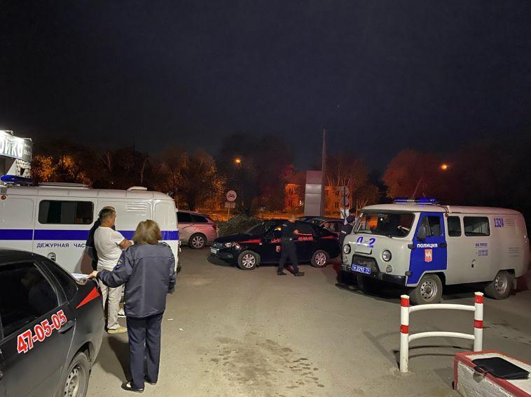В Магнитогорске поймали грабителя, полоснувшего заправщика ножом по горлу