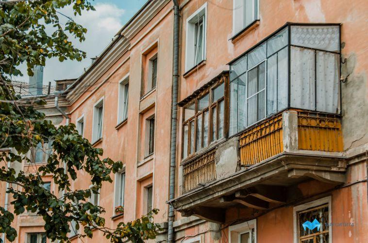 Жительница Челябинской области вытолкнула своего возлюбленного с 5 этажа