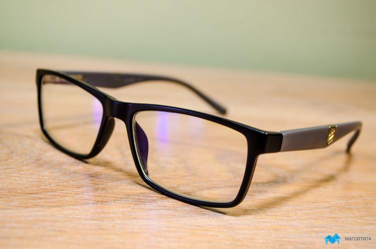 Их нужно носить не только летом. Как выбрать солнцезащитные очки правильно?