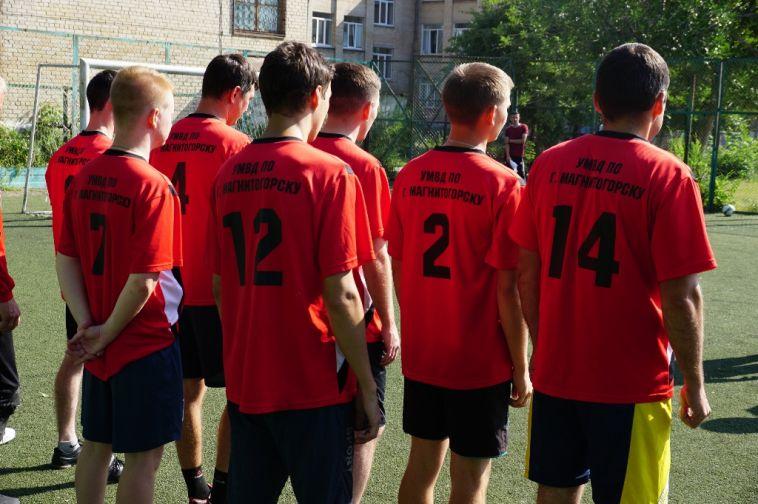 ВМагнитогорске завершился первый этап чемпионата поминифутболу