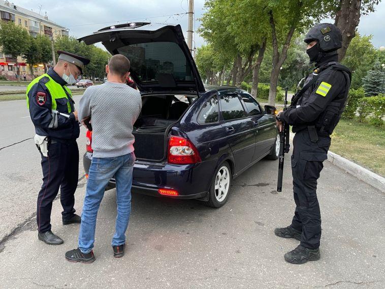 Сотрудники полиции за ночь раскрыли 28 преступлений