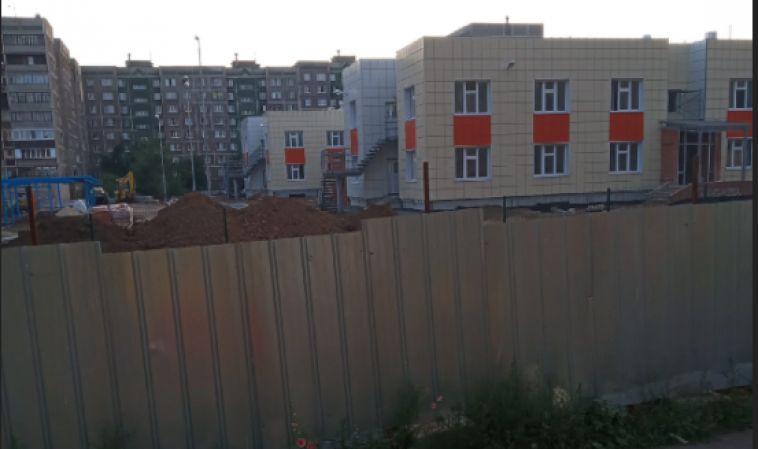 Жители Магнитогорска жалуются на строящийся детский сад, в котором побывал Текслер